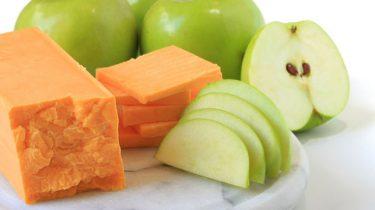 Яблочный сыр и яблоки фото