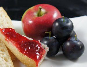 Яблочно-сливовое повидло на хлебушке