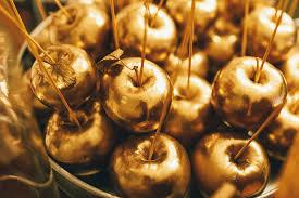 Золотые яблоки на блюде фото