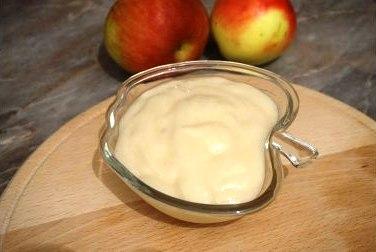 Яблочный мусс на манке в вазочке фото